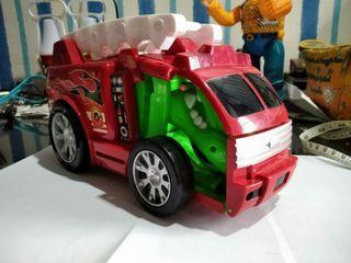 Dijual mobil pemadam kebakaran mainan