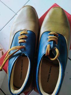 Sepatu cewek..
