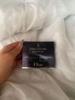 BRAND NEW WITH SEALS Diorshow  5 Coulers eyeshadow palette
