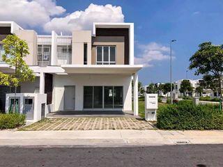 Gaji RM3000 dapat rumah dekat mex highway (bumi)