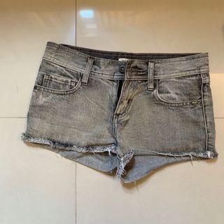ROXY  短褲 XS腰圍平量 36cm 牛仔短褲 丹寧 短褲