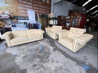 富麗 1+2+3牛皮家庭沙發組 米白色 皮製 ~ 沙發 客廳沙發 皮製沙發 全虹二手家具-台中二手家具-彰化二手家具