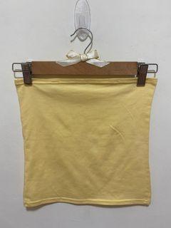 小可愛 無肩帶 平口背心 無袖上衣 一片式小可愛 露肩露背 一字領 上衣 貼身合身緊身 內搭衣 素色素面女版-黃色