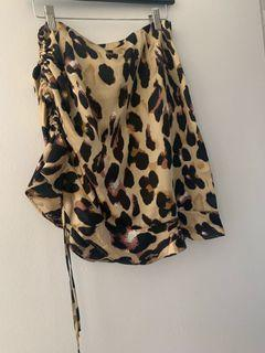 Missguided leopard print skirt