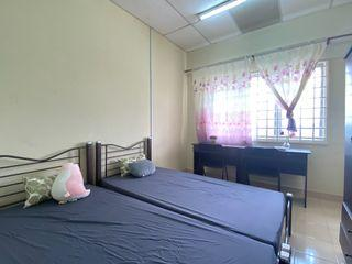 One Month Deposit Air-Cons Room free Utilities and Fully Furnished for rent in Subang Bestari