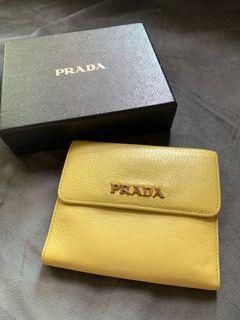 Prada黃色短夾