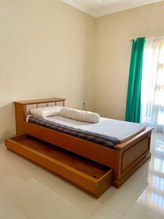 Bed frame kayu + laci 100 x 200