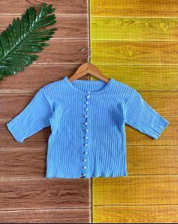 Top button knit blue