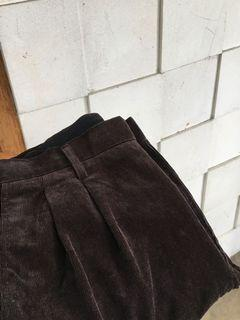 UNIQLO CORDUROY PANTS - COKLAT