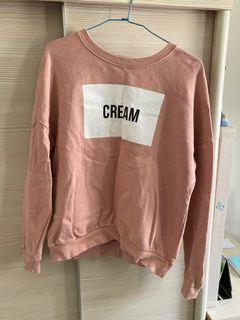 粉色長袖上衣