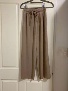 有彈性寬褲