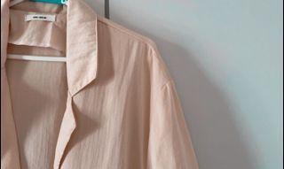 在家防疫也要正式 粉嫩色系棉麻西裝外套
