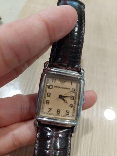 ARMANI皮帶石英錶