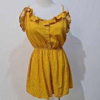 Baju jumpsuit Bershka yellow polkadot Size M