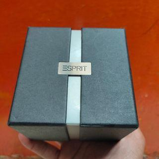Box jam tangan Esprit