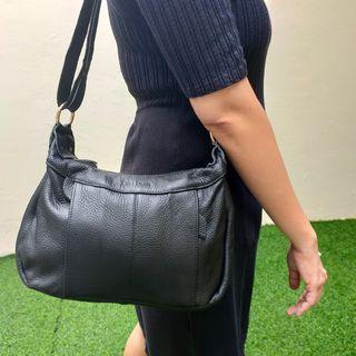 Cael deon preloved leather bag