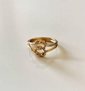 Gold coloured ring