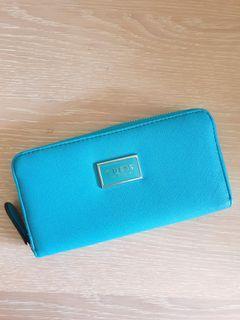 GUESS long zip wallet (not coach, lv, Kate spade, bimba y lola)