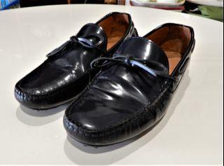 Massimo Dutti亮面皮革樂福鞋