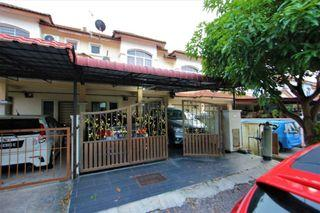 RENOVATED 2 Sty Terrace Lorong Az Zaharah Puncak Alam ADA KITCHEN CABINET