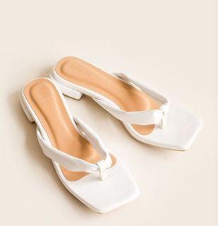 Whie sandals