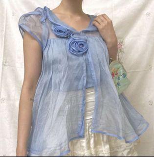 水藍色歐根紗上衣