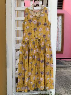 夏日花卉洋裝