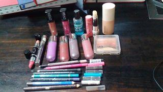 bundle lbh hemat..make up on saleeee