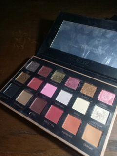 Focallure Eyeshadow We Care Your Favors 01 Bright Lux