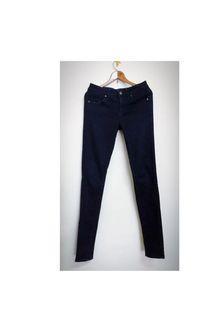 Uniqlo 大女童深藍伸縮布牛仔褲(150cm)