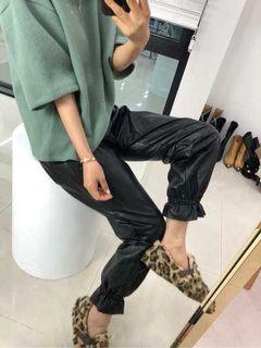 全新!韓國製Paris match黑色束口皮褲