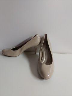 Predictions comfort plus heels
