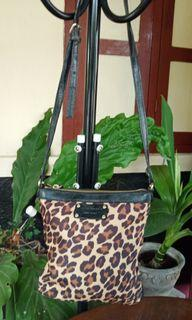 Preloved katespade sling leopard canvas