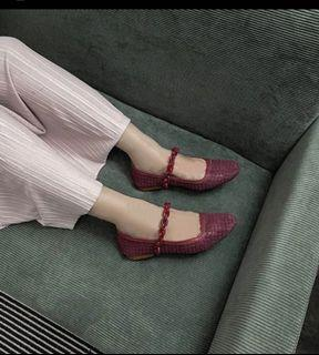 retailtherapy flat maroon chain big size 42
