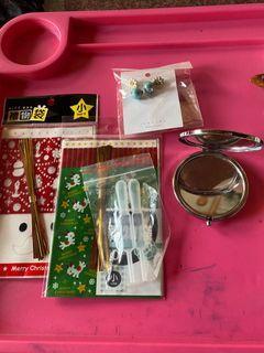 驚喜包、禮物袋*2 耳環、鏡子、髮捲