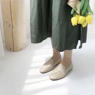 米杏色樂福鞋