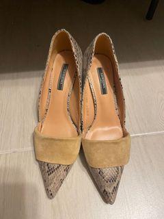 褐色蛇紋尖頭高跟鞋👠24 、24.5 可穿 38可穿