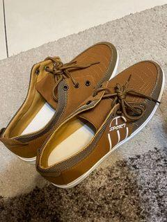 男鞋(尺寸約44號)歡迎詢問
