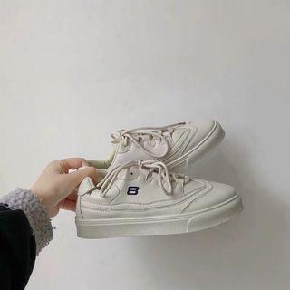 全新✨韓版復古板鞋 米白色