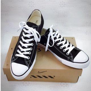 全新lativ 黑色帆布鞋44/28.5