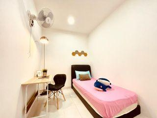 ⚠Looking For Convenience Place With Amazing Environment?😎 Medium Room for Rent at Pavillion area🌃 With Fully Furnished💡 & All New🤩!