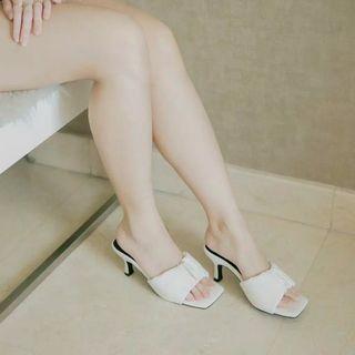 SOLETOPIA white NEW heels skyla jual rugi