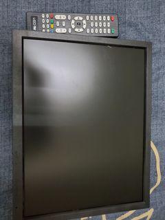 14吋折疊液晶電視。可立可掛,支援多種外接裝置