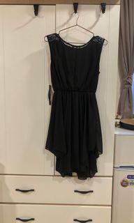 全新⛱黑色蕾絲不規則剪裁柔感洋裝