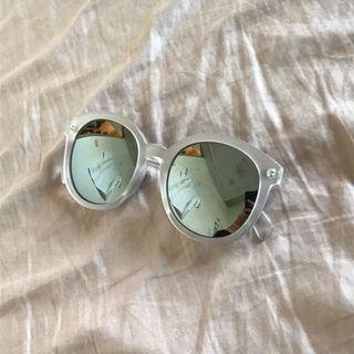 鏡面透明霧框墨鏡