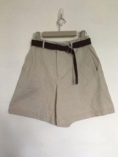 卡其五分短褲(附腰帶)