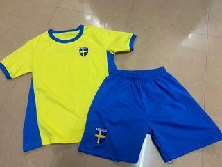 兒童瑞典波衫/運動衫/足球 一套 size140-150 kids Sweden football T-shirt shorts