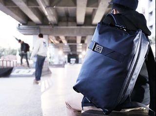 全新Allrover FlipBag 翻轉背包 後背包 公事包 手提包 兩用包 多功能 防潑水