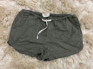 Aritzia TNA shorts