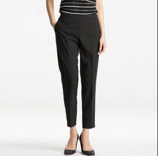 Authentic Uniqlo smart style ankle pants in black